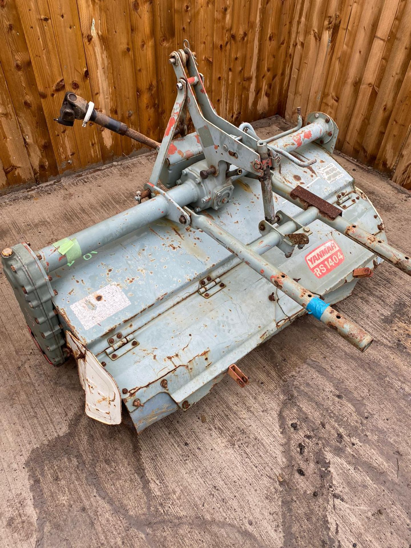 3 POINT LINKAGE ROTOVATOR TO SUIT COMPACT TRACTOR, PTO DRIVEN WITH SHAFT *PLUS VAT* - Image 2 of 4