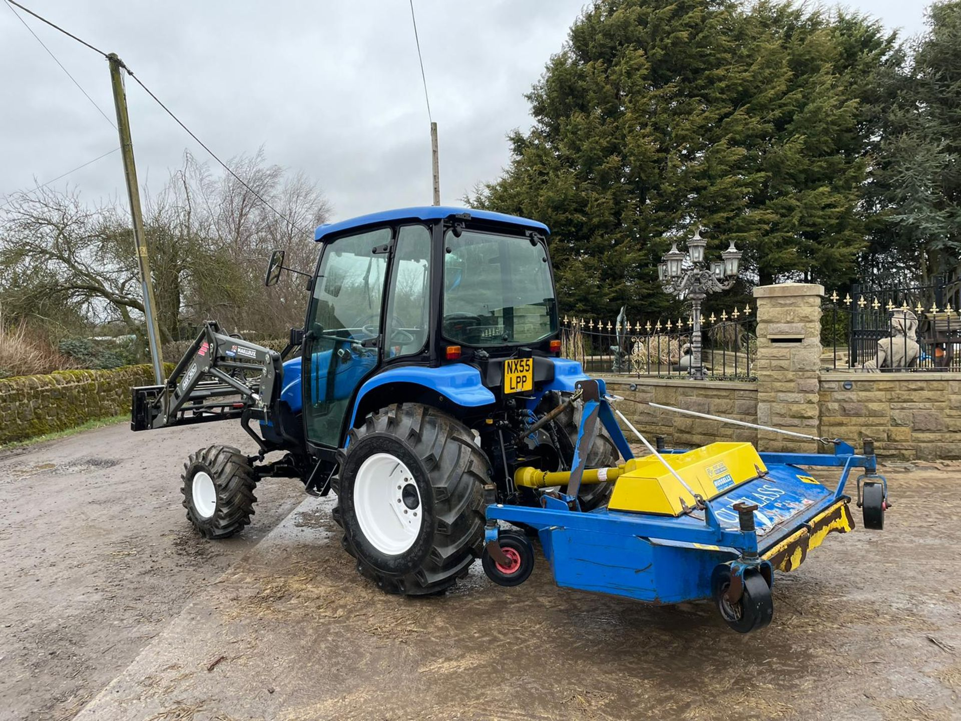 2006/55 New Holland TC40D Tractor With Loader And Bale Spike *PLUS VAT* - Image 6 of 23
