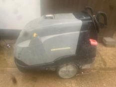 KARCHER PROFESSIONAL HDS 7/9 DIESEL HOT AND COLD WASHER, DELIVERY £150 ANYWHERE UK *PLUS VAT*