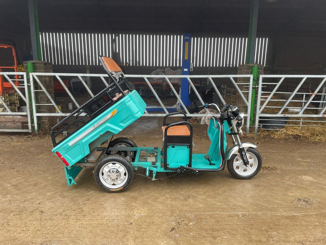 2017 CORMIDI TRACKED DUMPER, 2020 ELECTRIC TRICYCLE, POST KNOCKER, HOOVER, MITSUBISHI CVS CANTER, FIAT 500 + MUCH MORE ENDS TUESDAY FROM 7PM
