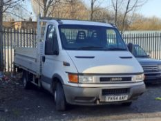 2004/54 REG IVECO DAILY 35S12 SWB 2.3 DIESEL WHITE DROPSIDE LORRY, SHOWING 2 FORMER KEEPERS *NO VAT*