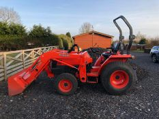 2017 Kubota compact tractor , only 280 hours, light use on a golf course. *no VAT*