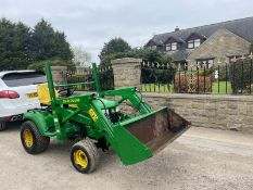 JOHN DEERE X595 COMPACT TRACTOR WITH FRONT LOADER, 4 WHEEL DRIVE, RUNS AND LIFTS *PLUS VAT*