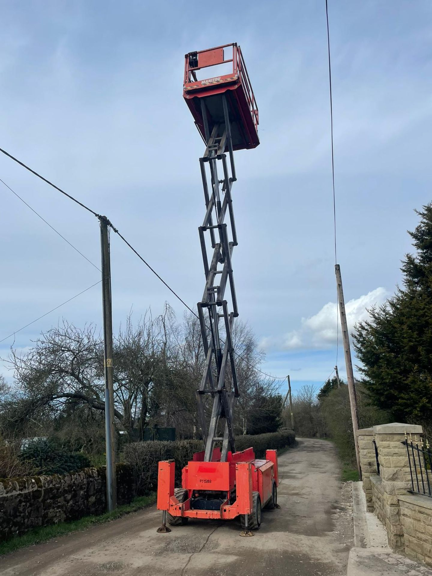 2013 MANITOU MANI-ACCESS 120SC SCISSOR LIFT, RUNS, DRIVES AND LIFTS *PLUS VAT* - Image 11 of 12