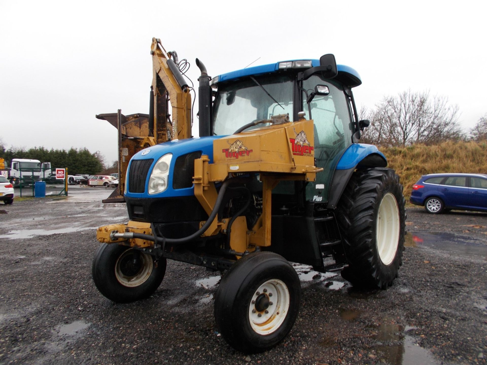2003 NEW HOLLAND TS100A TRACTOR WITH MOWER ATTACHMENT, 4.5 LITRE 100HP TURBO DIESEL *PLUS VAT* - Image 2 of 24