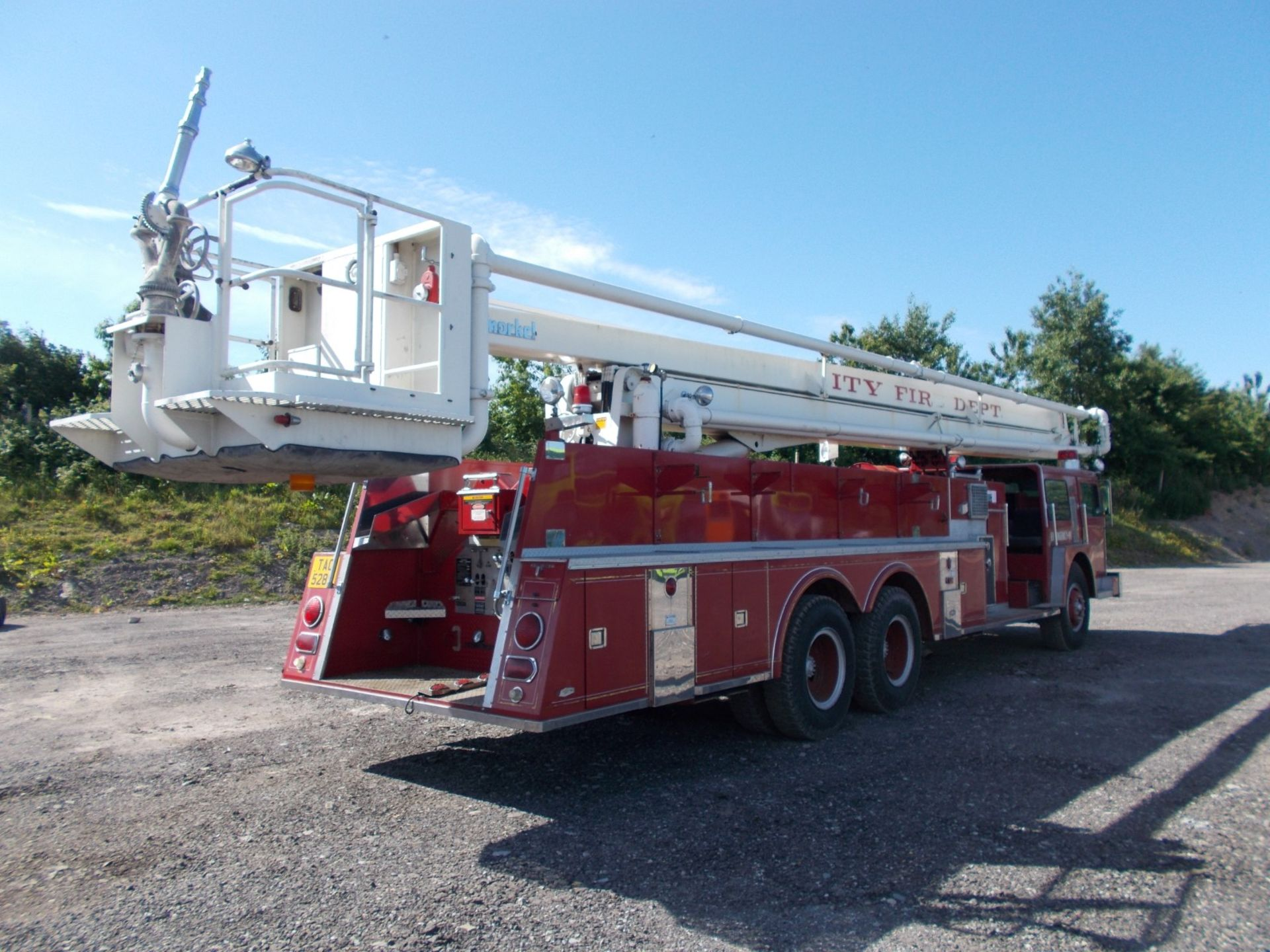 1978 HENDRICKSON 871-LPS SNORKEL FIRE TRUCK, U.S. IMPORT, 7.0 LITRE DETROIT DIESEL ENGINE *PLUS VAT* - Image 5 of 22