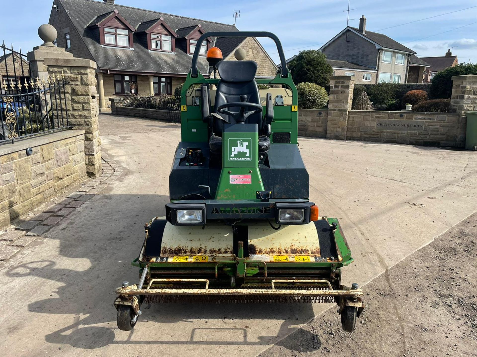 2012 AMAZONE PROFIHOPPER RIDE ON MOWER, RUNS, DRIVES AND CUTS, IN GOOD CONDITION *PLUS VAT* - Image 3 of 14