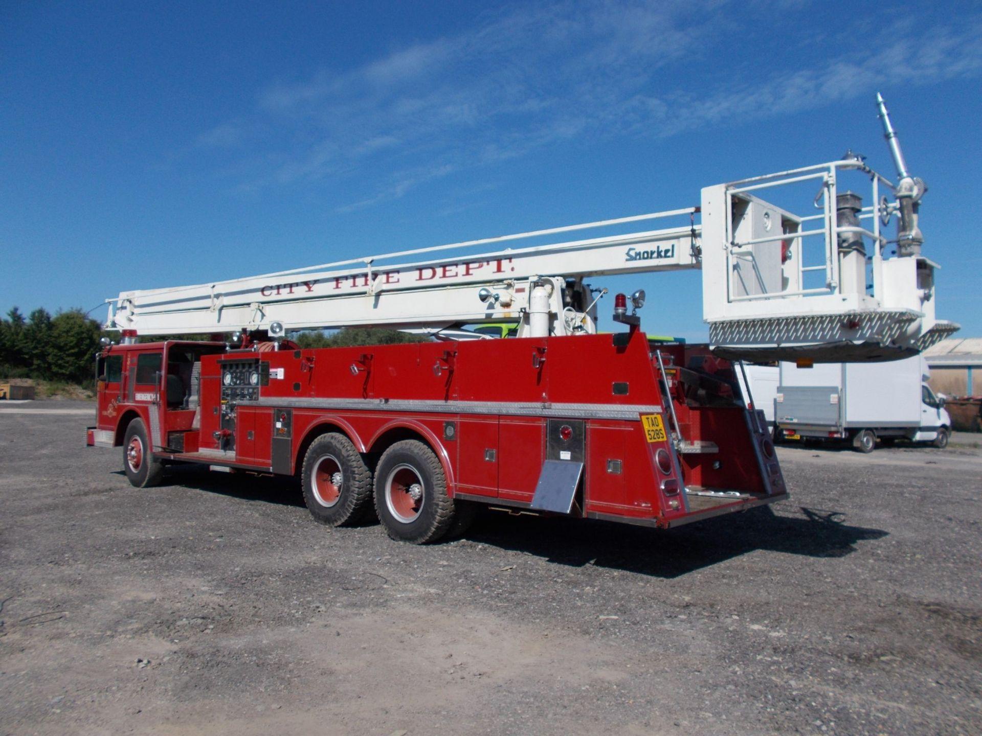 1978 HENDRICKSON 871-LPS SNORKEL FIRE TRUCK, U.S. IMPORT, 7.0 LITRE DETROIT DIESEL ENGINE *PLUS VAT* - Image 3 of 22