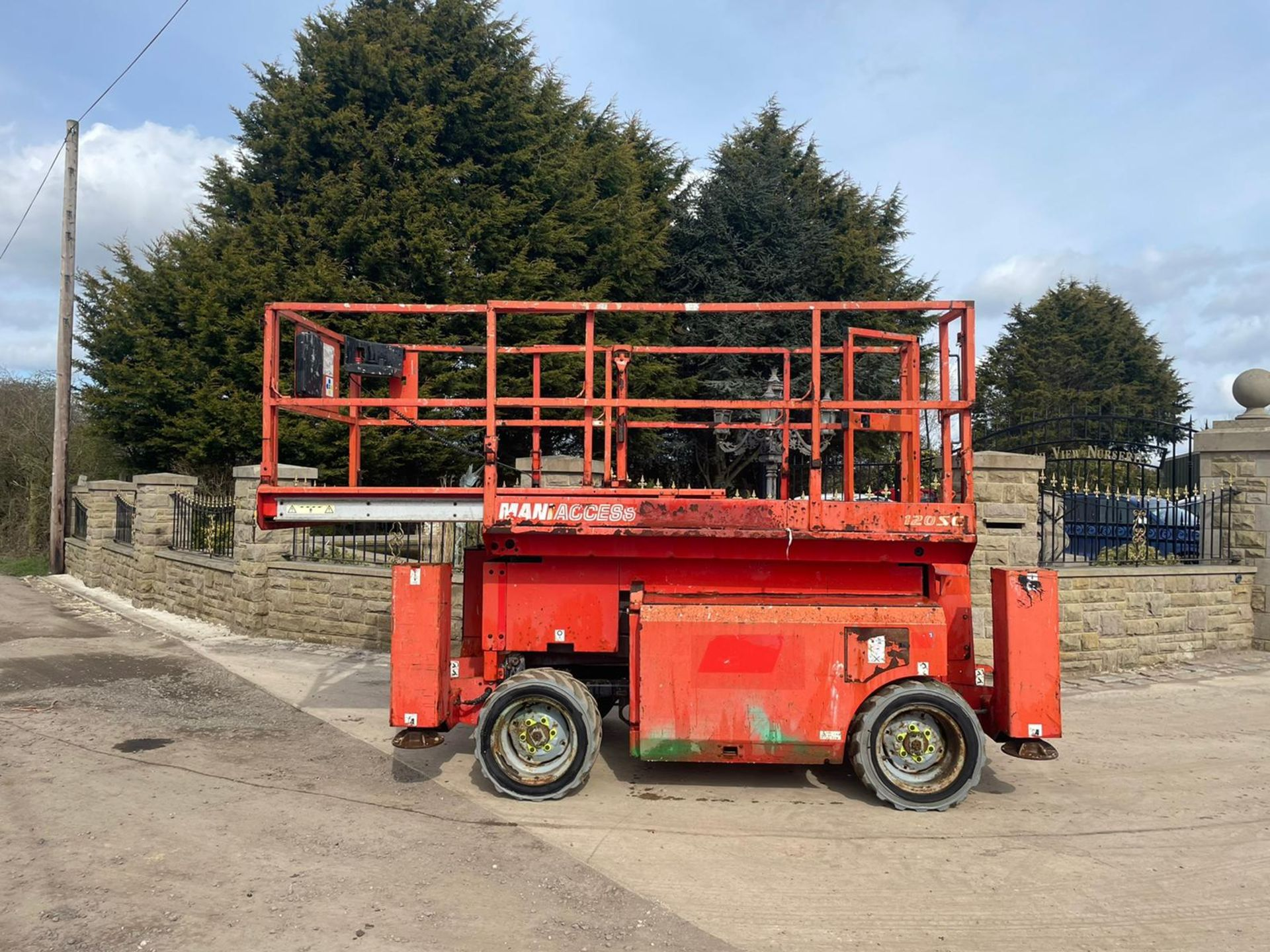 2013 MANITOU MANI-ACCESS 120SC SCISSOR LIFT, RUNS, DRIVES AND LIFTS *PLUS VAT* - Image 8 of 12