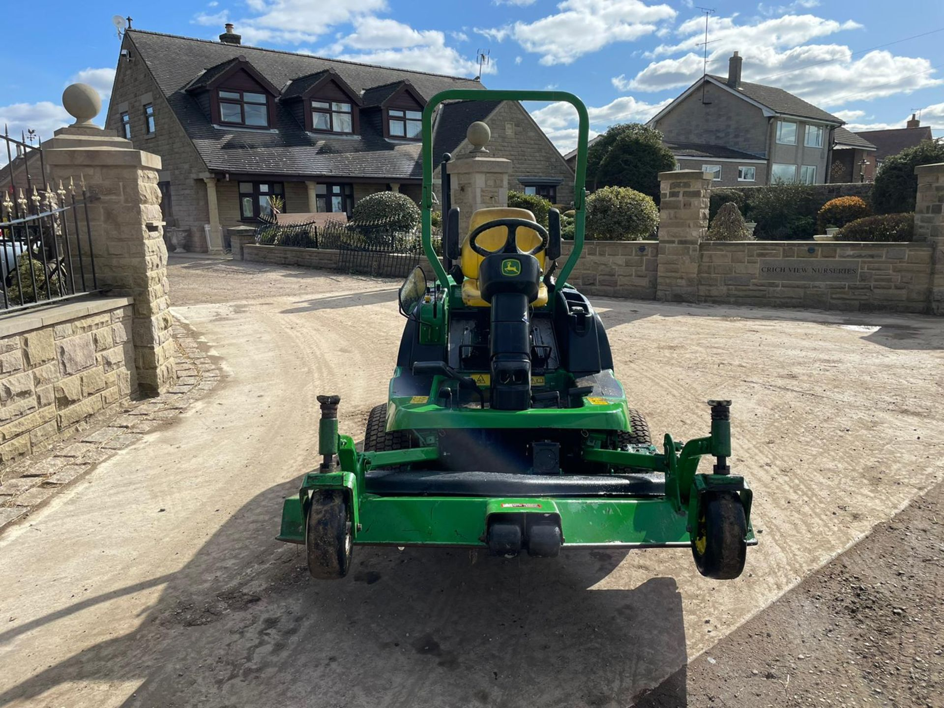 JOHN DEERE 1445 RIDE ON MOWER, RUNS DRIVES AND CUTS, IN USED BUT GOOD CONDITION *NO VAT* - Image 8 of 9