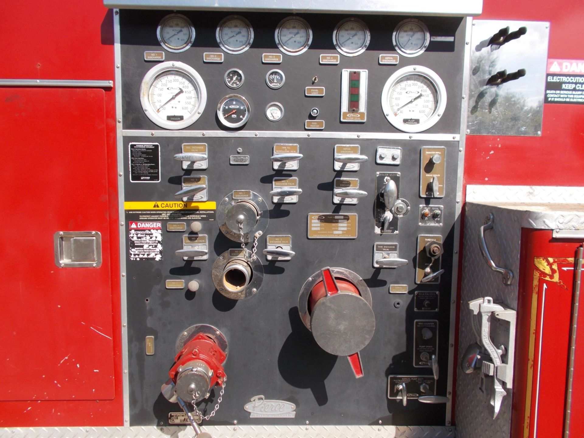 1978 HENDRICKSON 871-LPS SNORKEL FIRE TRUCK, U.S. IMPORT, 7.0 LITRE DETROIT DIESEL ENGINE *PLUS VAT* - Image 15 of 22