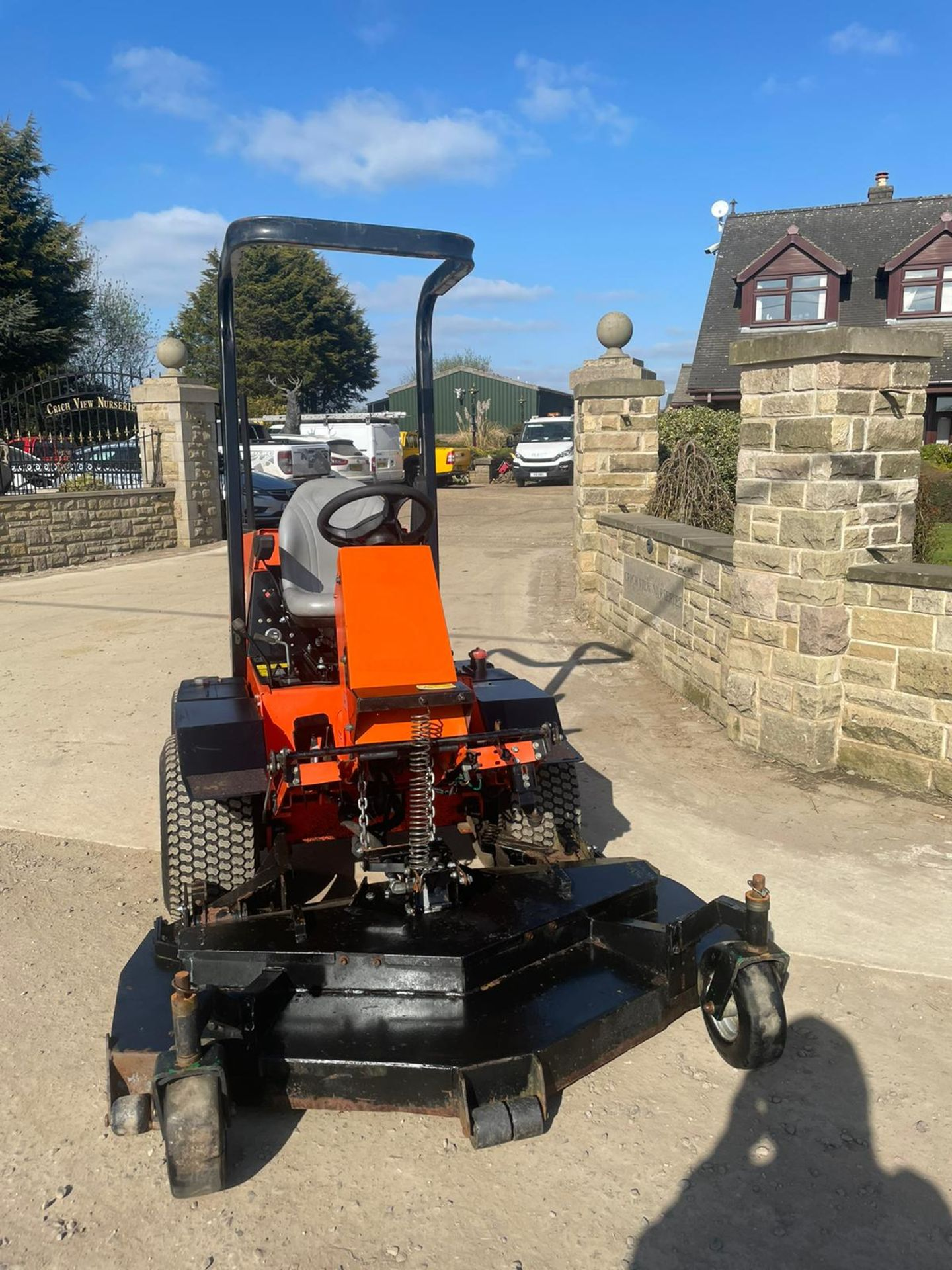 2013 JACOBSON 628D RIDE ON LAWN MOWER OUT FRONT, VERY GOOD CONDITION, 4 WHEEL DRIVE *NO VAT* - Image 3 of 7