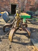 5 FINGER STRUTS SCRAP GRAB FULL WORKING ORDER *NO VAT*