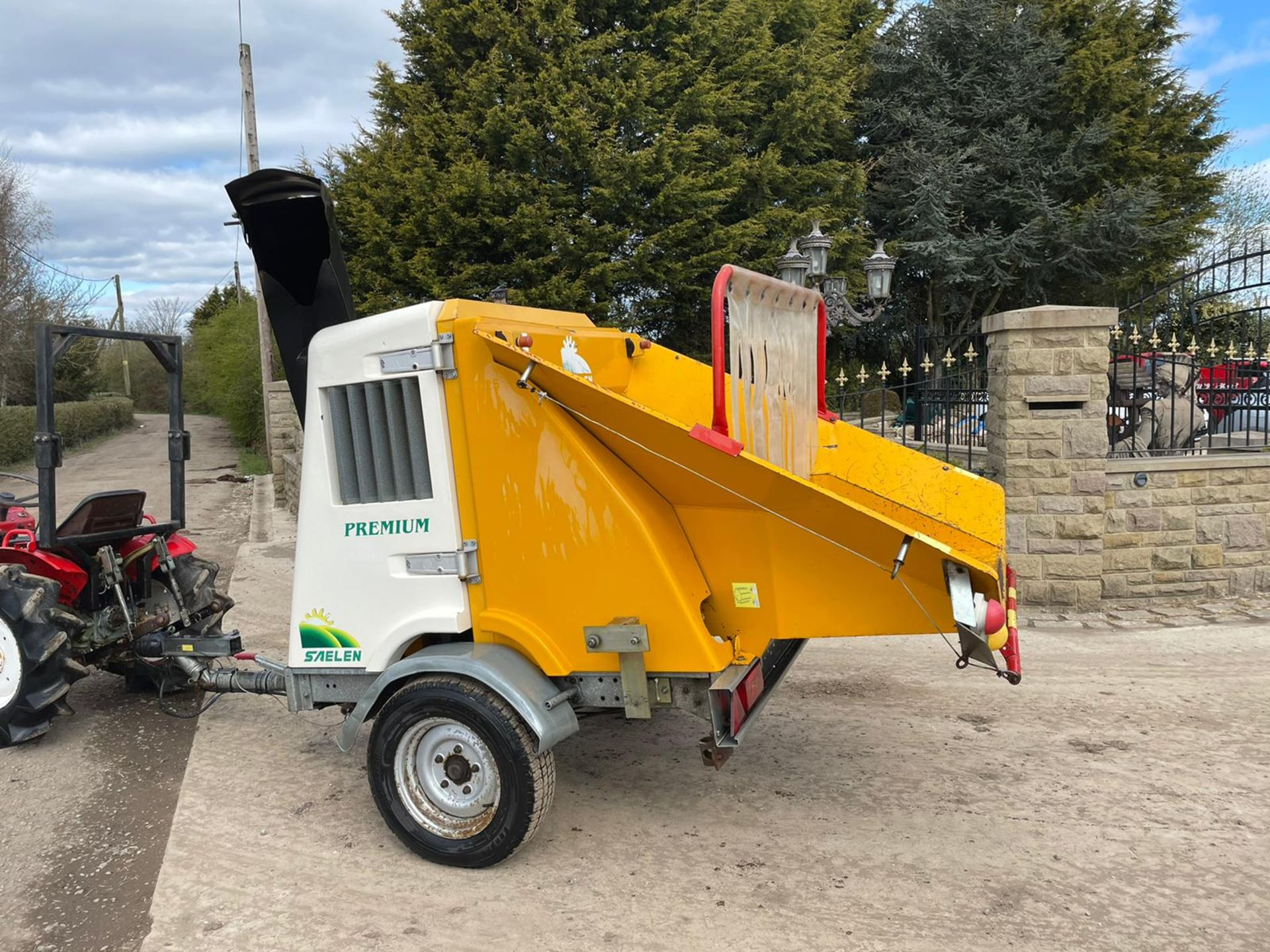 2007 SAELEN PREMIUM WOOD CHIPPER, RUNS AND CHIPS, IN GOOD CONDITION, LOW 160 HOURS *PLUS VAT* - Image 2 of 7