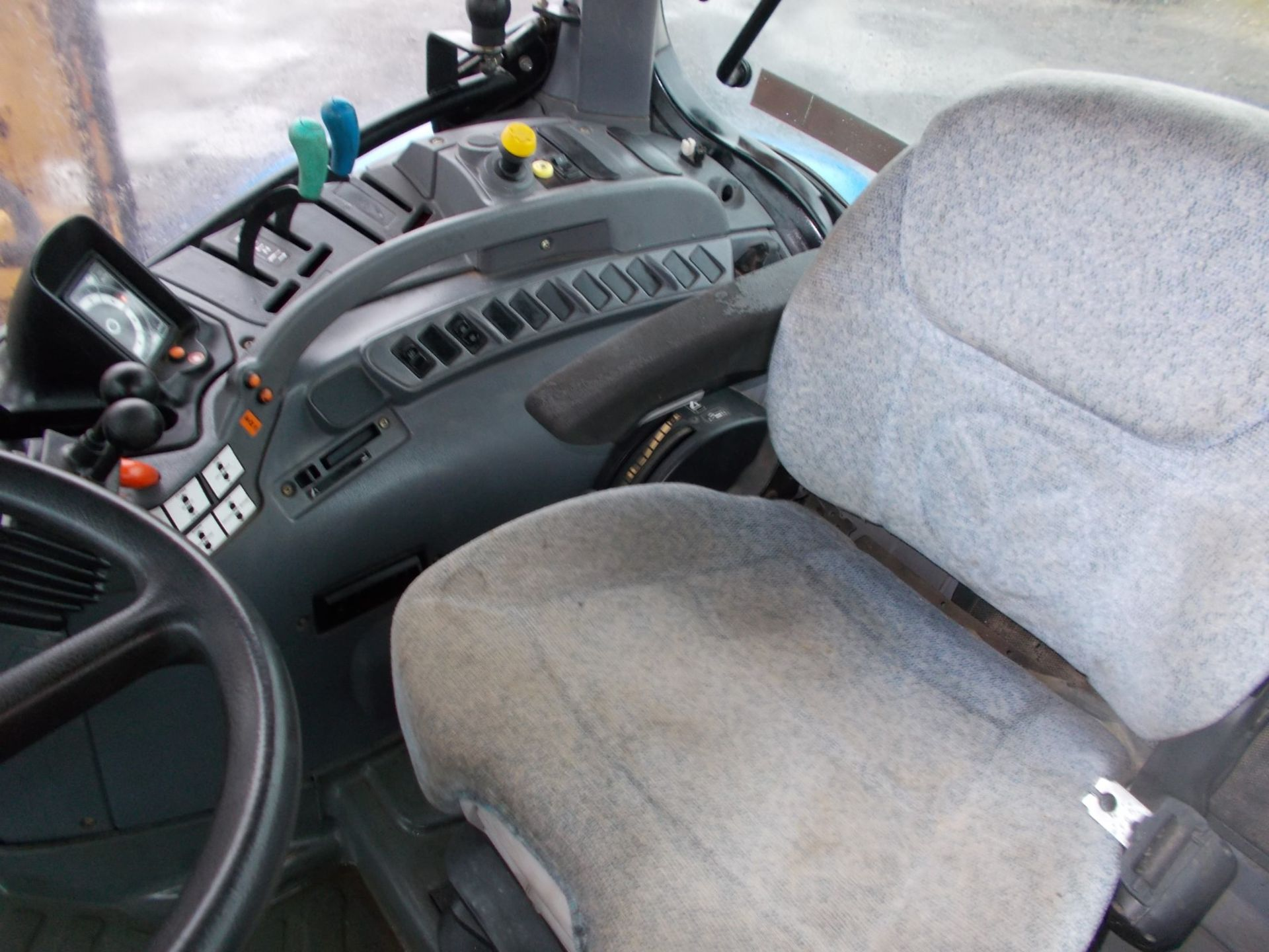2003 NEW HOLLAND TS100A TRACTOR WITH MOWER ATTACHMENT, 4.5 LITRE 100HP TURBO DIESEL *PLUS VAT* - Image 22 of 24