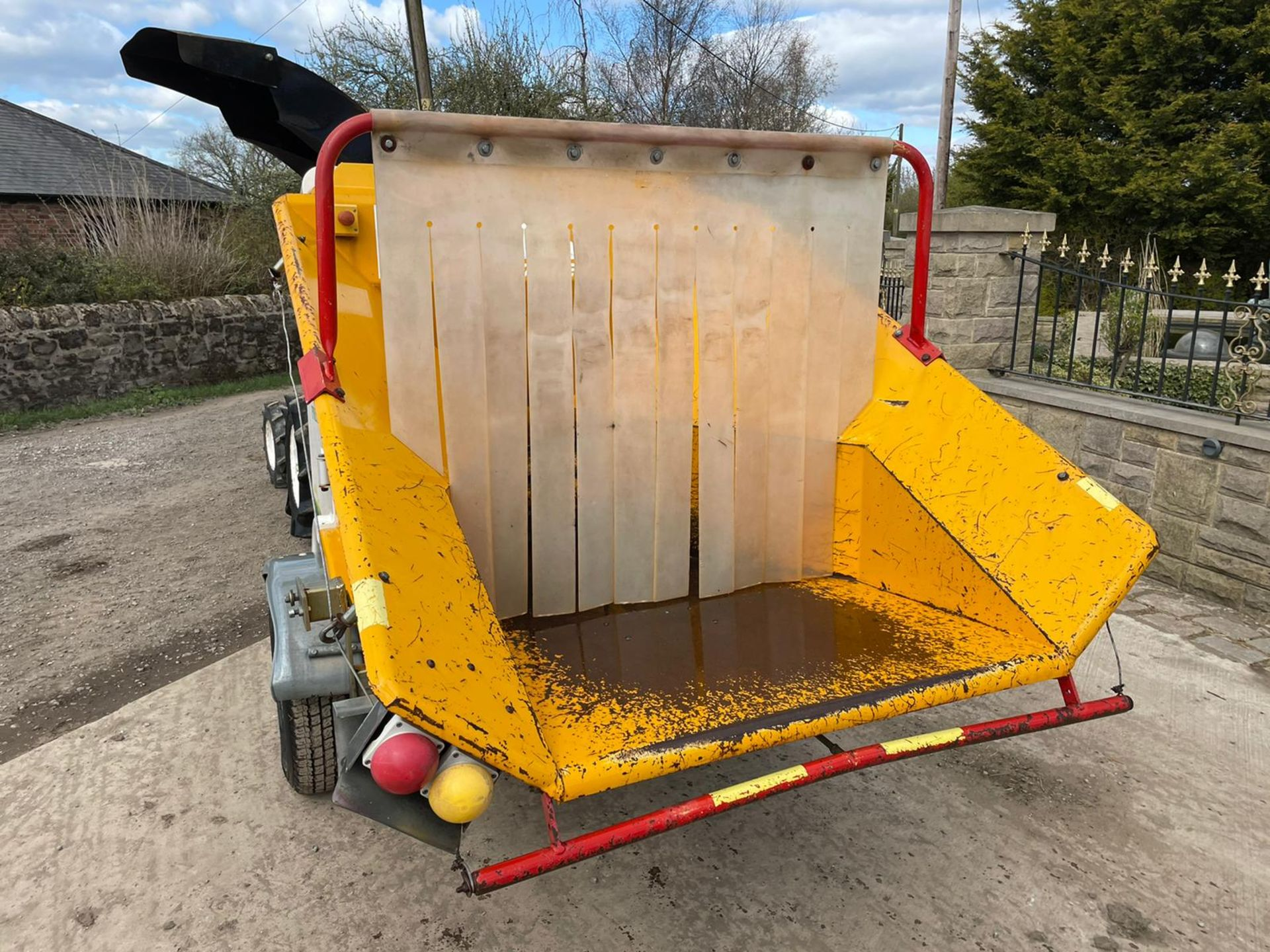 2007 SAELEN PREMIUM WOOD CHIPPER, RUNS AND CHIPS, IN GOOD CONDITION, LOW 160 HOURS *PLUS VAT* - Image 5 of 7