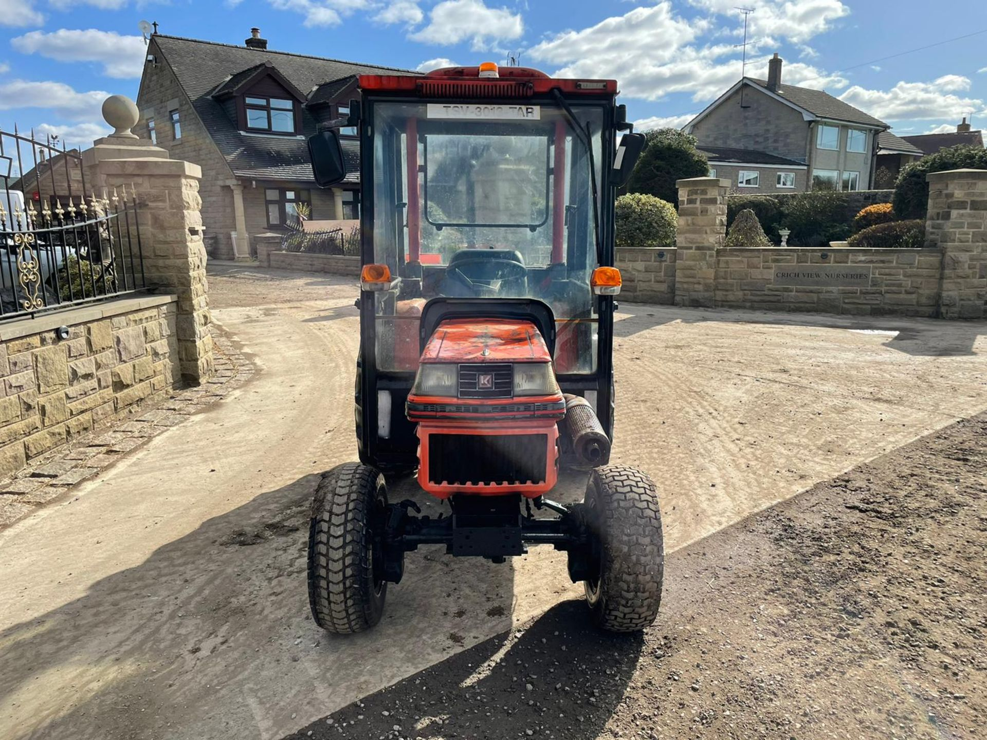 KUBOTA B2150 COMPACT TRACTOR, RUNS AND DRIVES, 3 POINT LINKAGE, 23HP, HYDROSTATIC *PLUS VAT* - Image 5 of 6