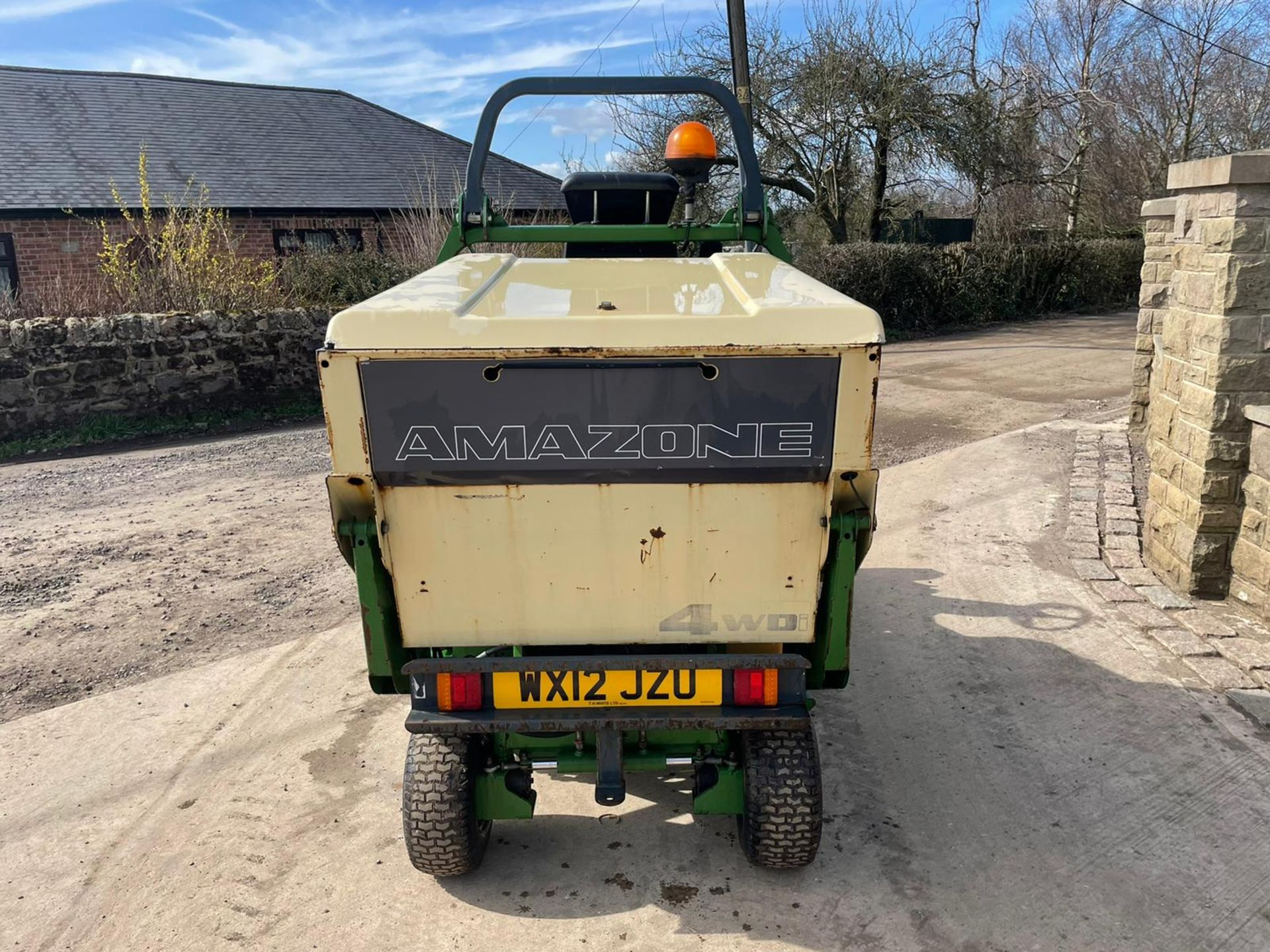 2012 AMAZONE PROFIHOPPER RIDE ON MOWER, RUNS, DRIVES AND CUTS, IN GOOD CONDITION *PLUS VAT* - Image 7 of 14