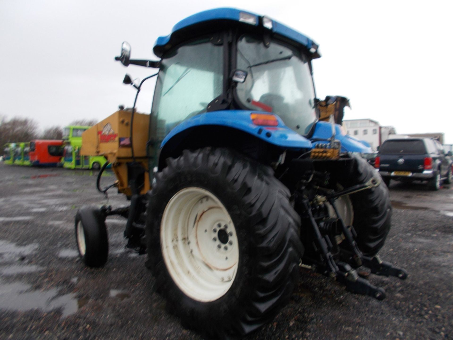 2003 NEW HOLLAND TS100A TRACTOR WITH MOWER ATTACHMENT, 4.5 LITRE 100HP TURBO DIESEL *PLUS VAT* - Image 6 of 24