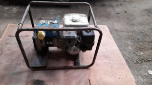 HONDA ENGINED GENERATOR, STARTS WELL AND MAKES POWER, BIG HONDA GX270 ENGINE *PLUS VAT*
