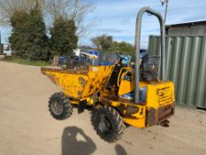 2004 THWAITES 2 TON DUMPER. 2300 HOURS, RUNS DRIVES AND ALL OPERATES SMOOTHLY *PLUS VAT*