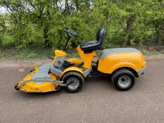 STIGA PARK COMFORT RIDE ON MOWER, RUNS DRIVES AND CUTS, IN GOOD CONDITION, PIVOT STEERED *NO VAT*
