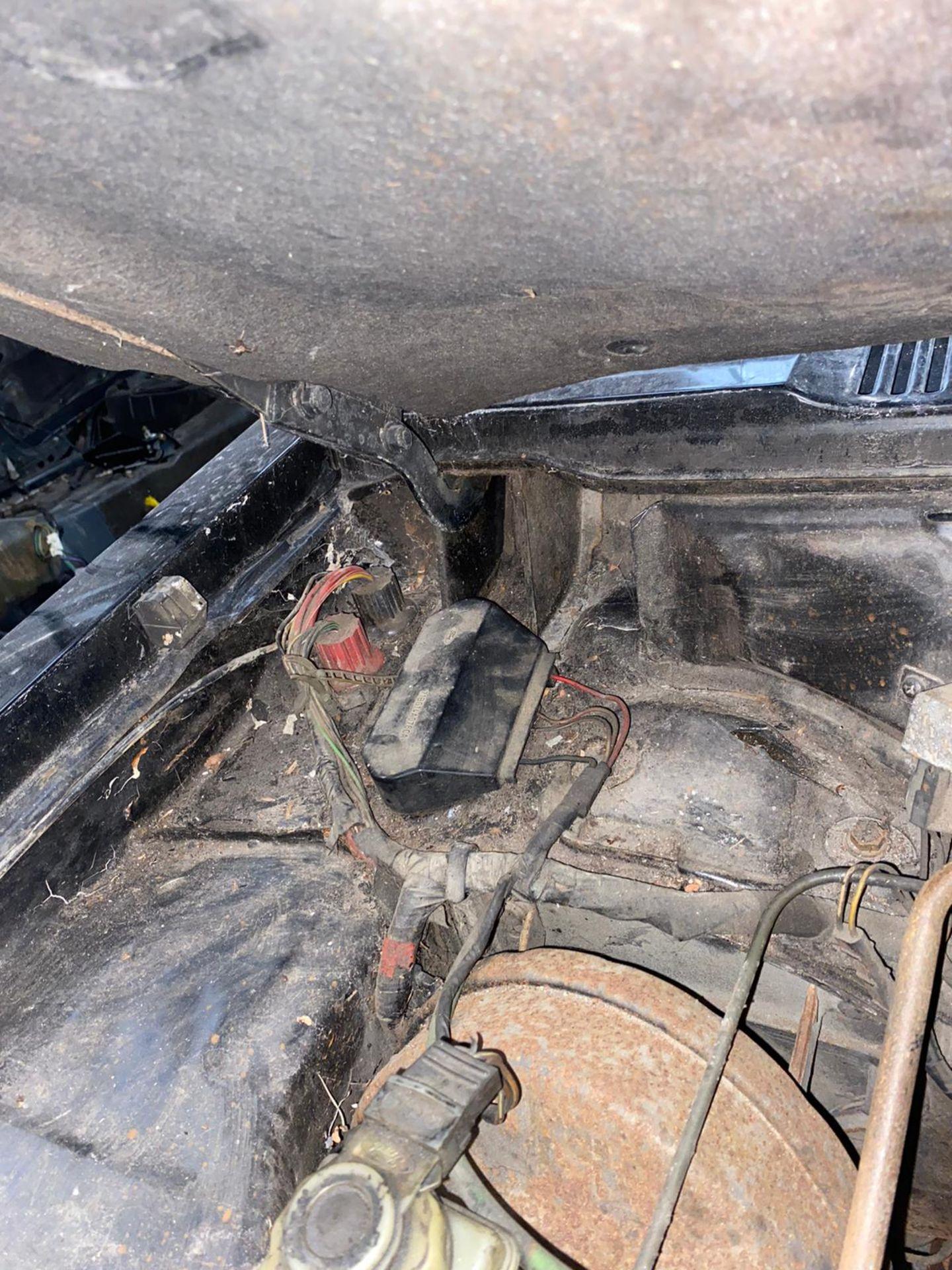 1986/C REG FORD CAPRI LASER AUTO 2.0 PETROL BLACK 3 DOOR *NO VAT* - Image 17 of 32