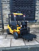 KIDS REMOTE CONTROL/MANUAL CONTROL FORKLIFT *PLUS VAT*