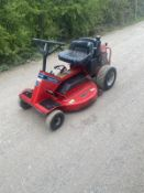 SNAPPER 33 HI VAC RIDE ON LAWN MOWER, RUNS DRIVES AND CUTS, BRAND NEW BATTERY *NO VAT*