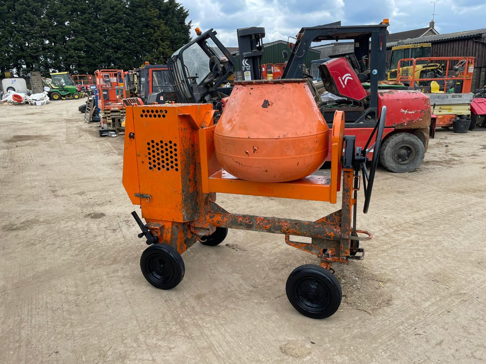 BELLE PREMIER 100XT CONCRETE MIXER, YANMAR DIESEL ENGINE, GOOD COMPRESSION *NO VAT*