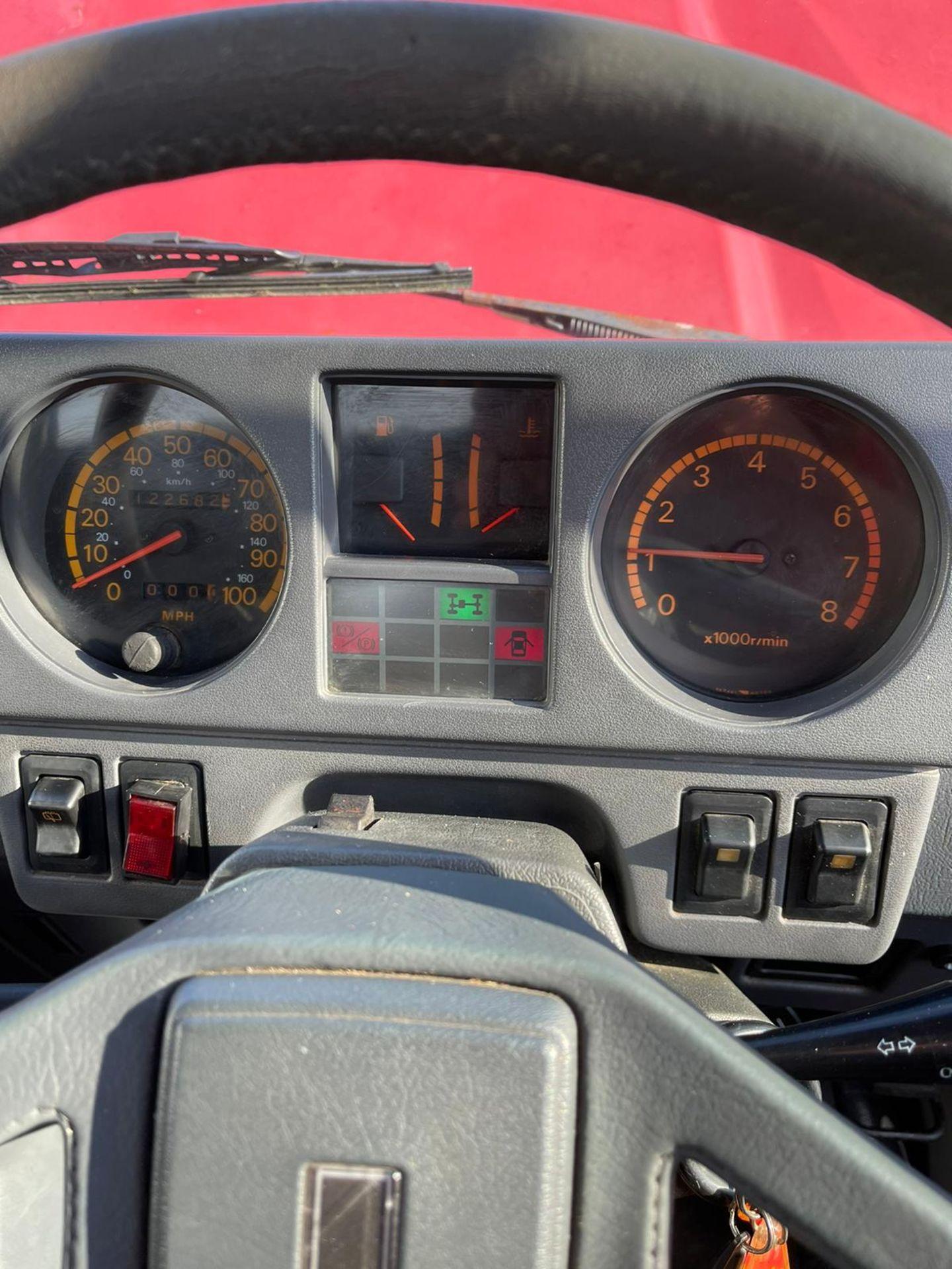 1987 MITSUBISHI SHOGUN SWB V6, BARN FIND, PETROL ENGINE, SHOWING 9 PERVIOUS KEEPERS *NO VAT* - Image 14 of 16