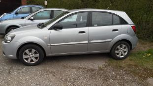 2010 KIA RIO 1, SILVER 5 DOOR HATCHBACK, 1.4 PETROL ENGINE, MANUAL 5 GEARS *NO VAT*