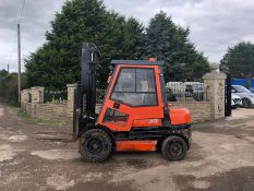 TOYOTA 3 TON DIESEL FORKLIFT, RUNS WORKS AND LIFTS, FULL GLASS CAB *PLUS VAT*