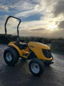 JCB 323 COMPACT TRACTOR, RUNS, DRIVES, GRASS TYRES, 3 POINT LINKAGE, DRAW BAR