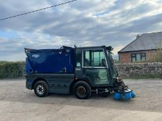 SCHMIDT SWINGO 200 ROAD SWEEPER, RUNS DRIVES AND SWEEPS *PLUS VAT*