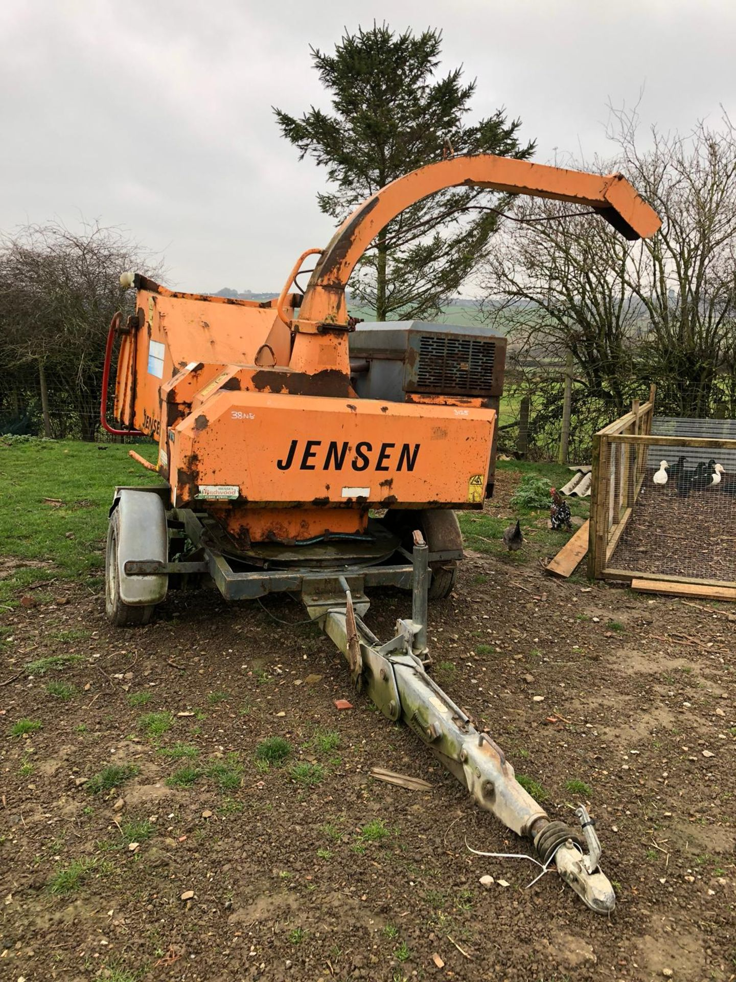DS -QUALITY 2004 JENSEN DIESEL TURNTABLE CHIPPER, QUALITY TRAILER - Image 2 of 8