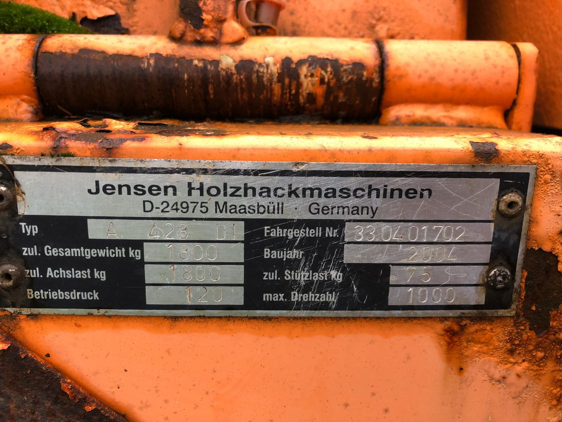 DS -QUALITY 2004 JENSEN DIESEL TURNTABLE CHIPPER, QUALITY TRAILER - Image 7 of 8