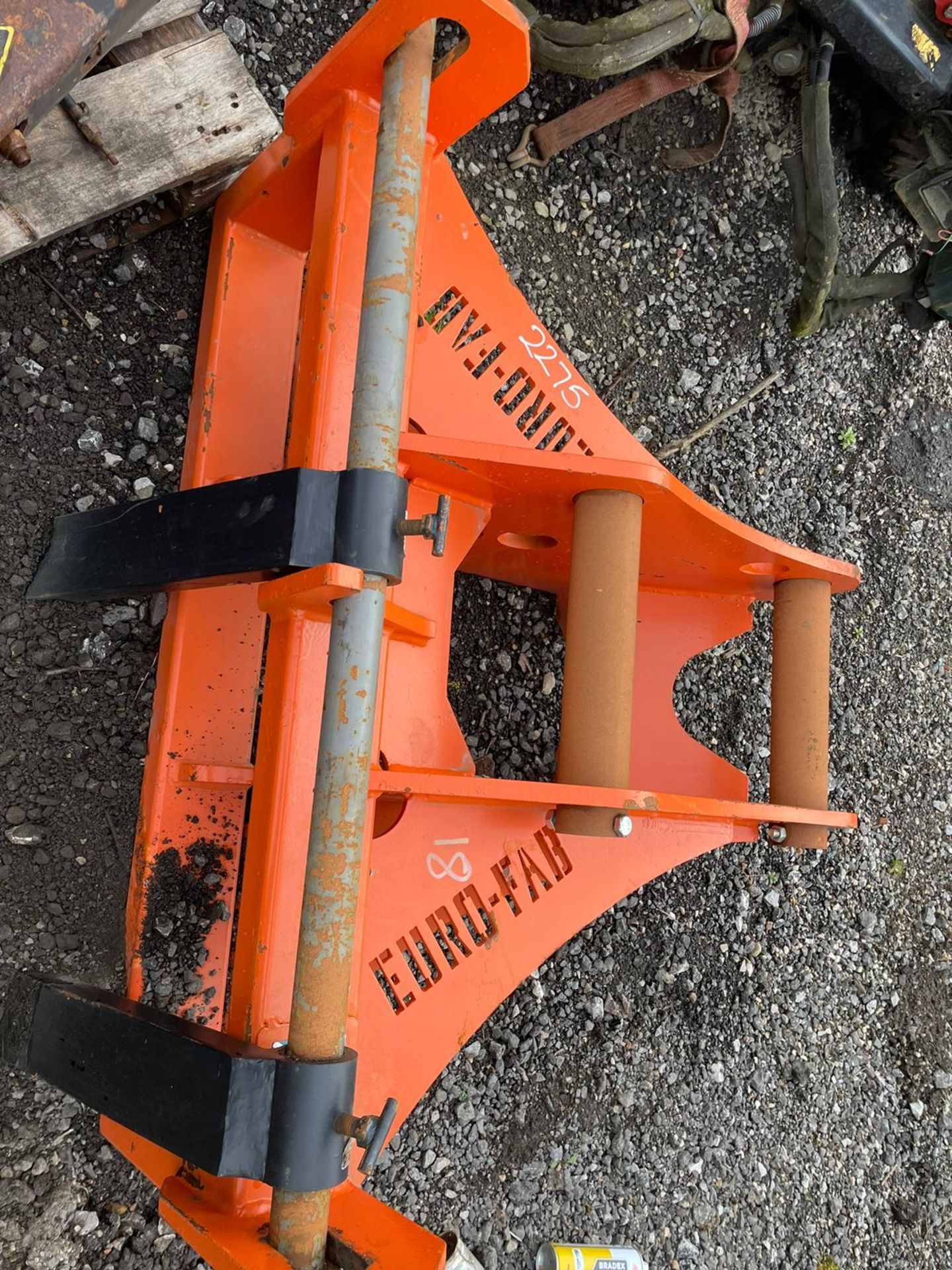EURO-FAB PALLET FORKS, BRAND NEW AND UNUSED, SUITABLE FOR EXCAVATOR, 80MM PINS, PLUS VAT - Image 3 of 3