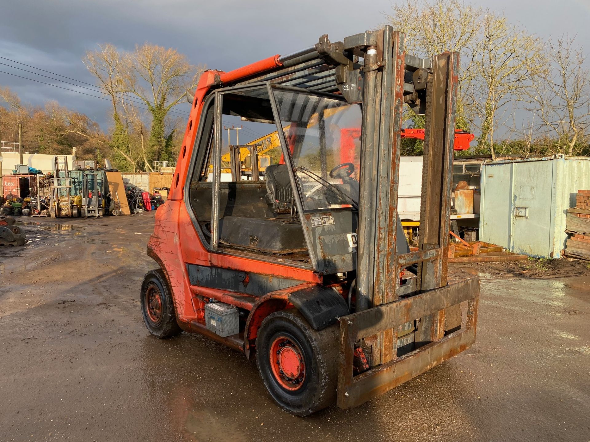 1998 Linde H60D forklift, 8200 hours, Deutz 6 cylinder engine Forks will be included with the truck - Image 4 of 5