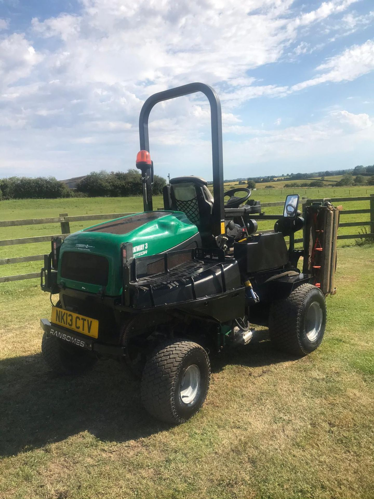 2013 RANSOMES PARKWAY 3, RUNS, DRIVES AND CUTS, ROAD LEGAL *PLUS VAT* - Image 3 of 4