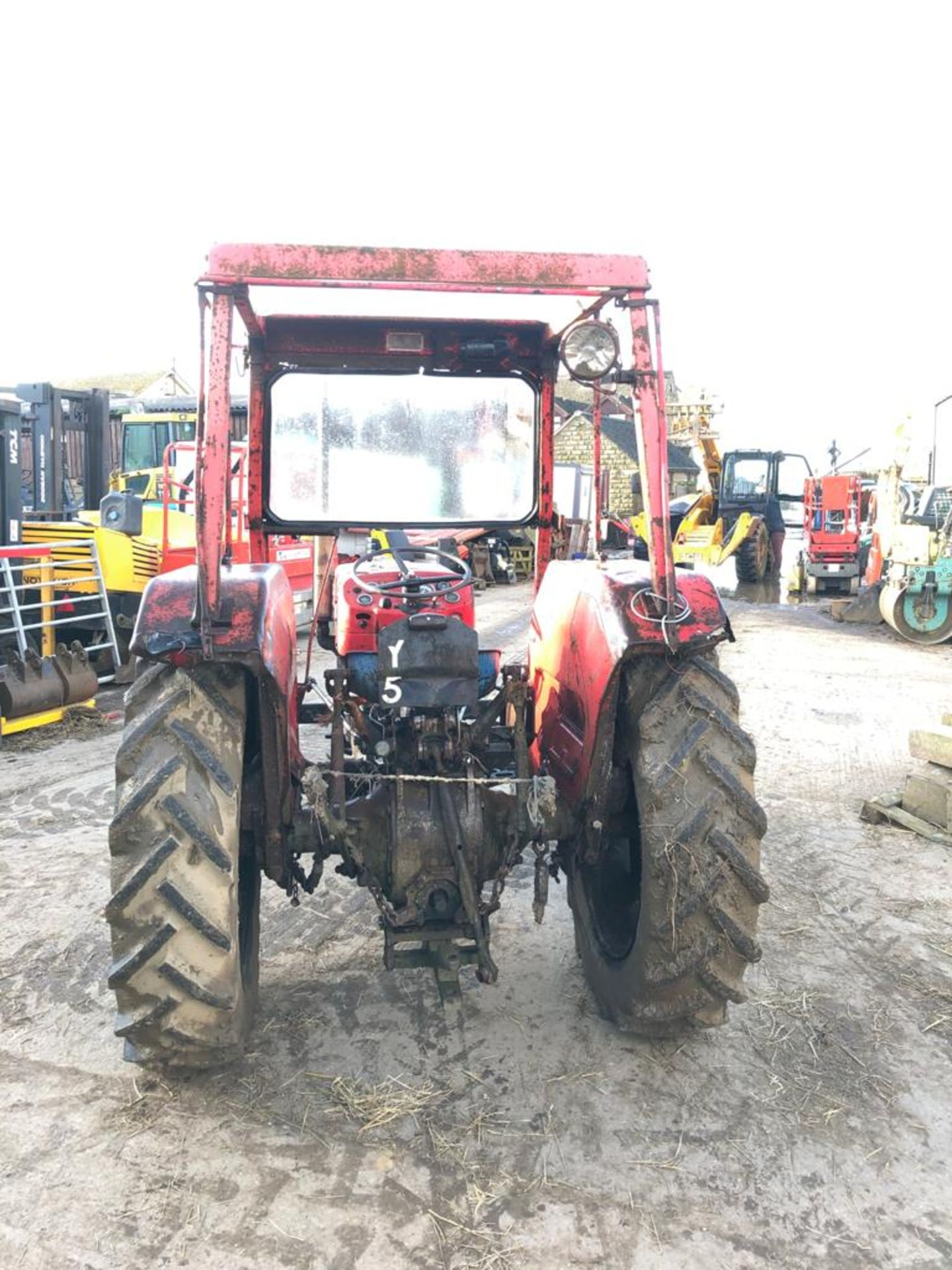 MASSEY FERGUSON 135 TRACTOR, RUNS AND WORKS WELL, REAR PTO, REAR 3 POINT LINKAGE *PLUS VAT* - Image 3 of 5