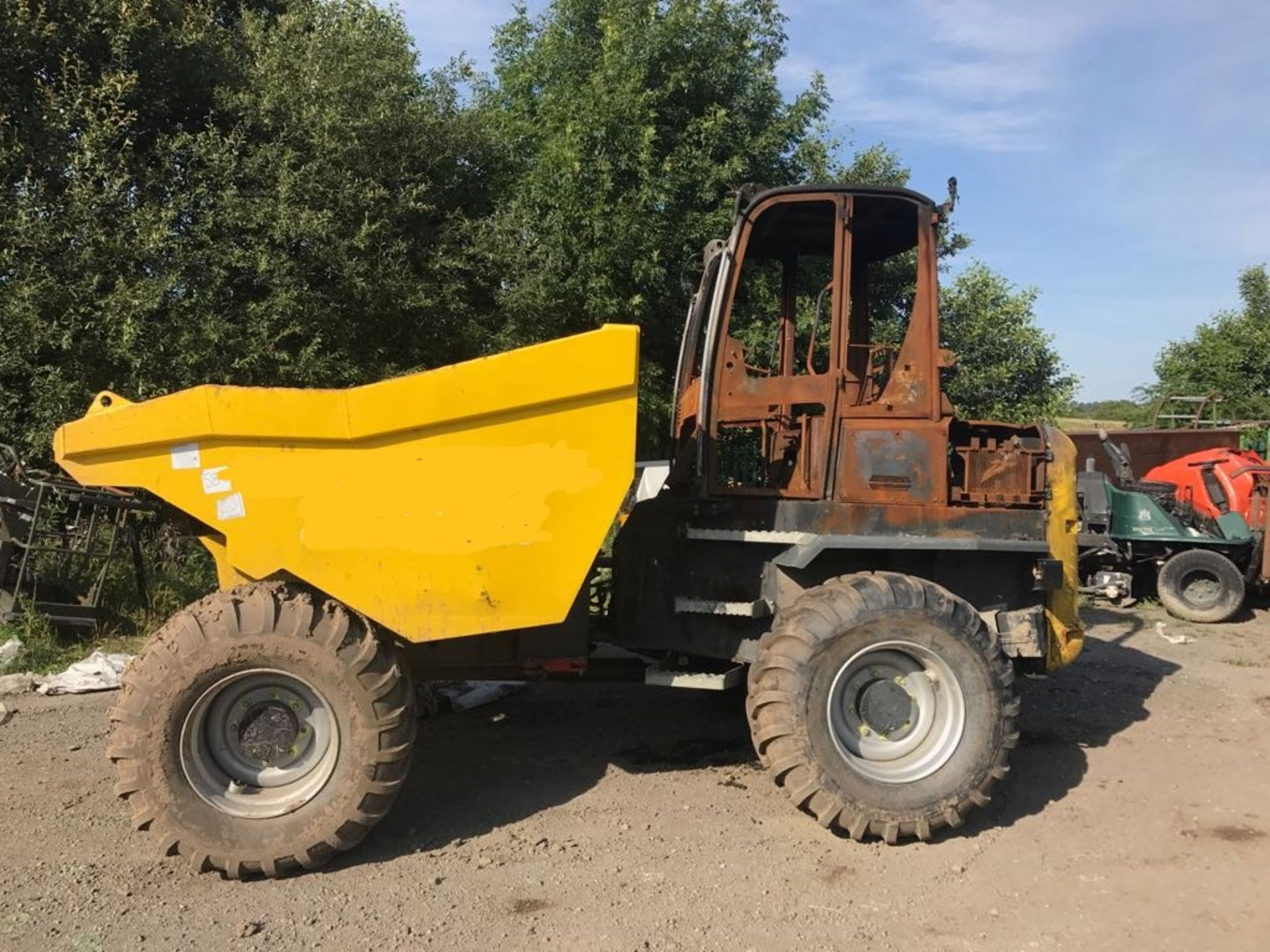 2017 WACKER NEUSON 9 TONNE DUMPER, BURNT OUT, NEW SELLING AS SPARES *PLUS VAT* - Image 4 of 6