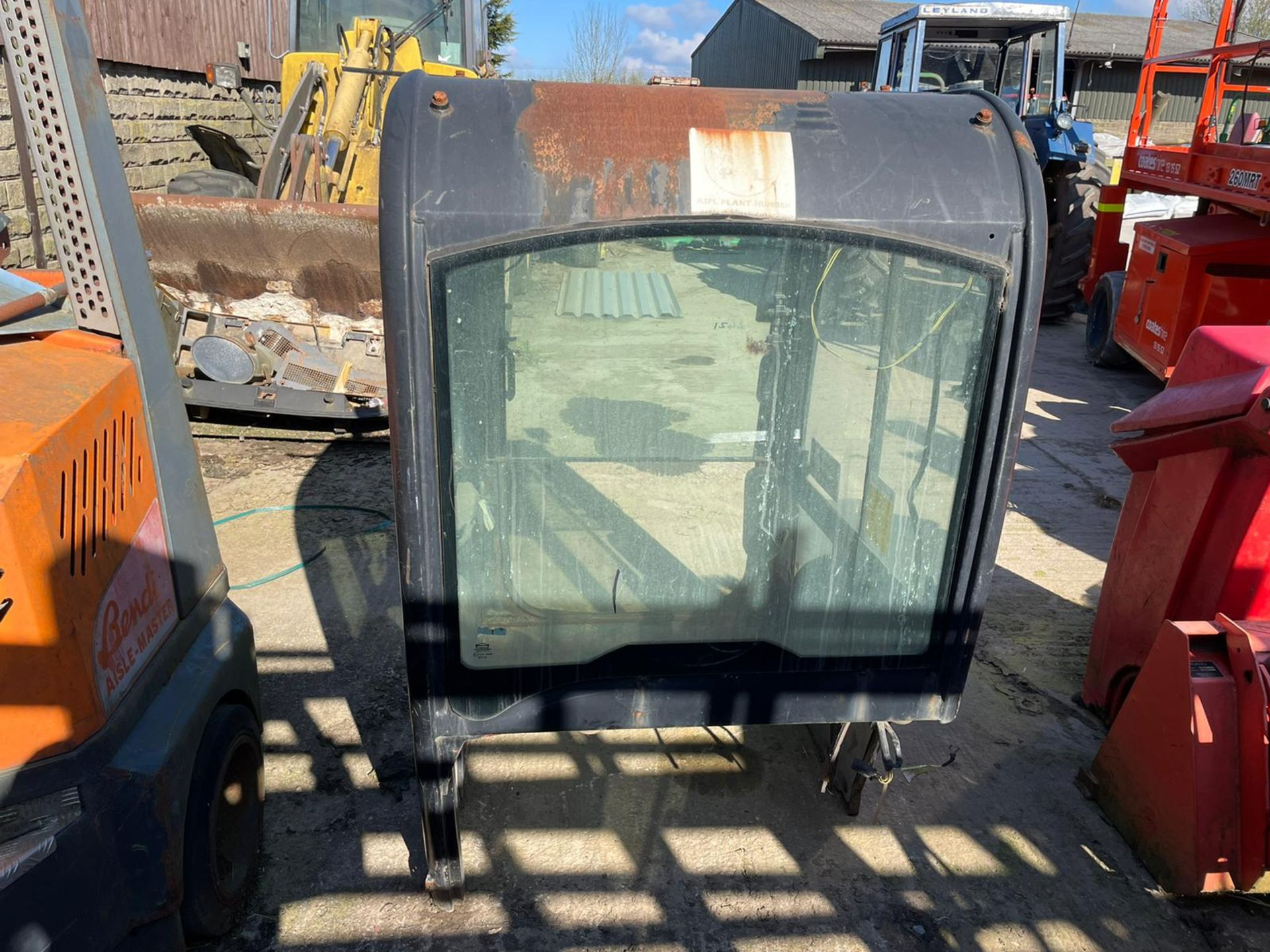8025/8030/8035 CAB, ALL IN TACT, DOOR IS INCLUDED *PLUS VAT* - Image 3 of 8