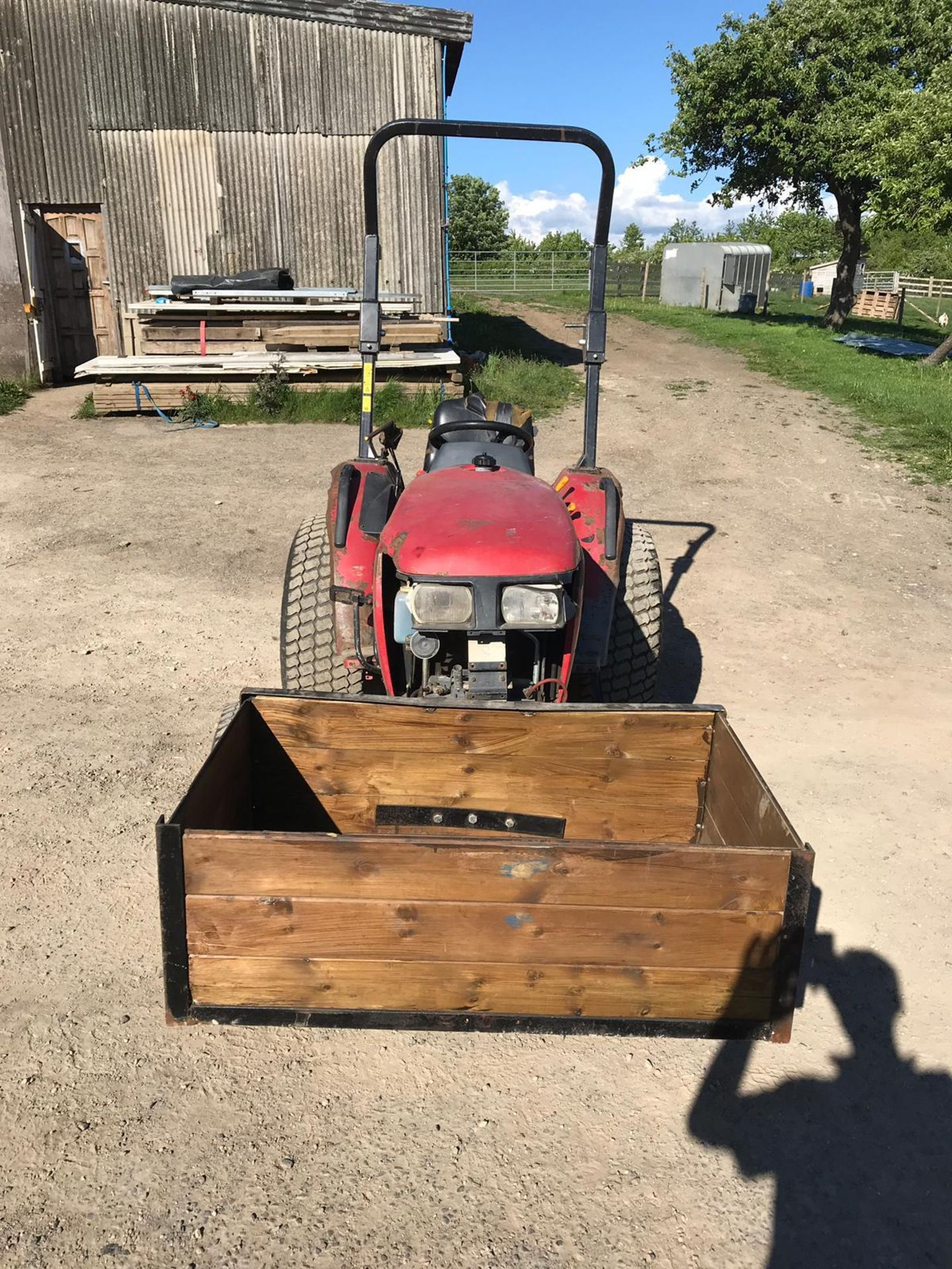 SHIRBAURA ST333 4WD COMPACT HST TRACTOR C/W ROLL BAR *PLUS VAT* - Image 2 of 8