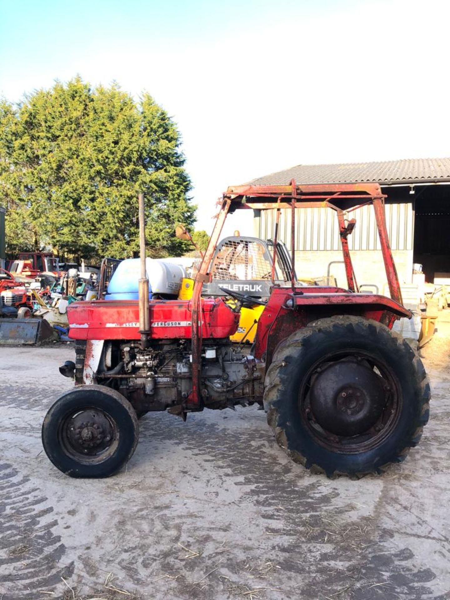 MASSEY FERGUSON 135 TRACTOR, RUNS AND WORKS WELL, REAR PTO, REAR 3 POINT LINKAGE *PLUS VAT* - Image 5 of 5
