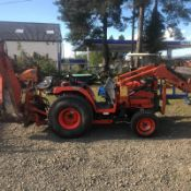 KUBOTA ST30 COMPACT TRACTOR WITH FRONT LOADER AND BACKHOE, RUNS DRIVES AND DIGS *NO VAT*