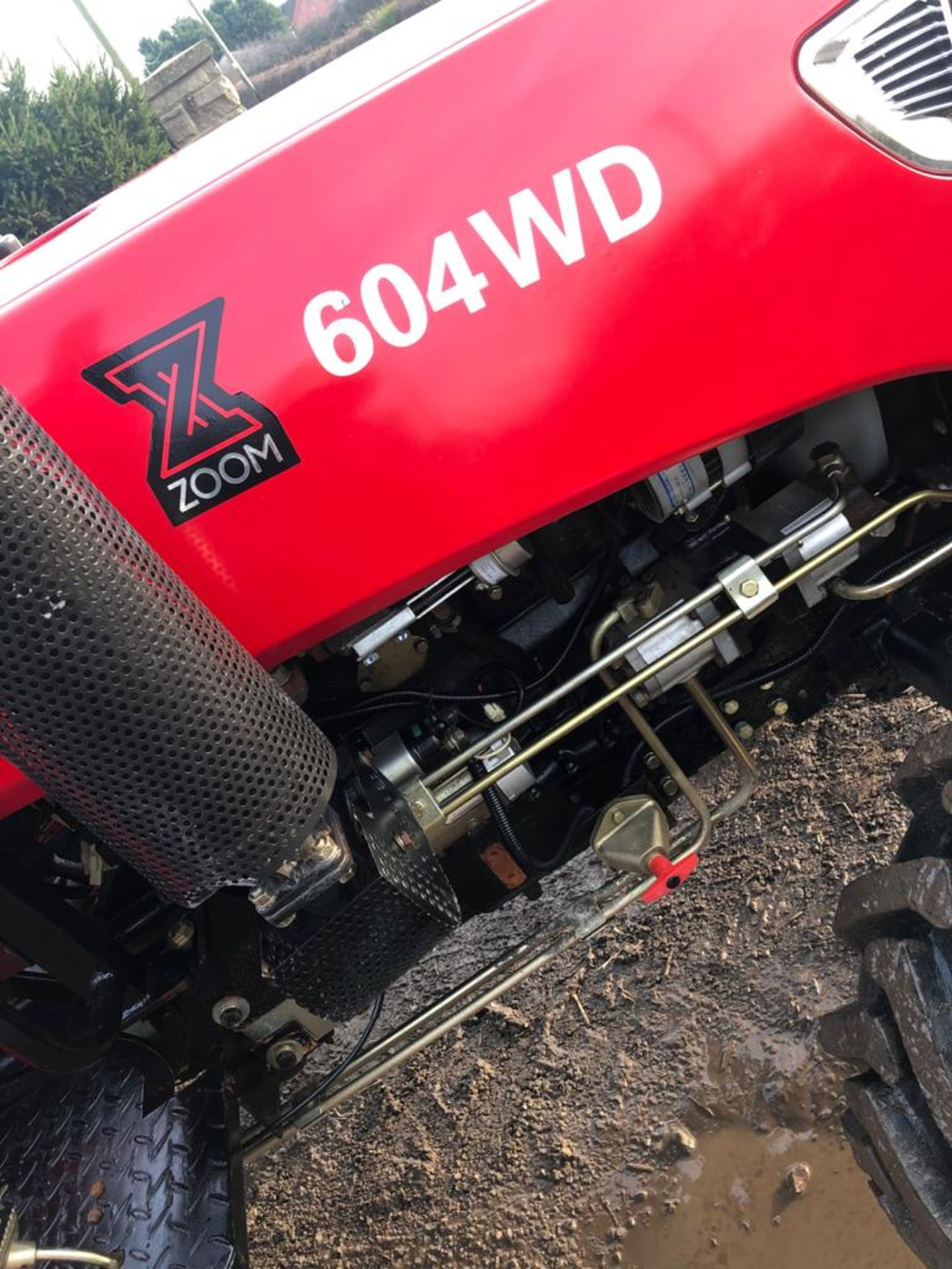UNUSED ZOOM 604 4WD TRACTOR *PLUS VAT* - Image 3 of 9