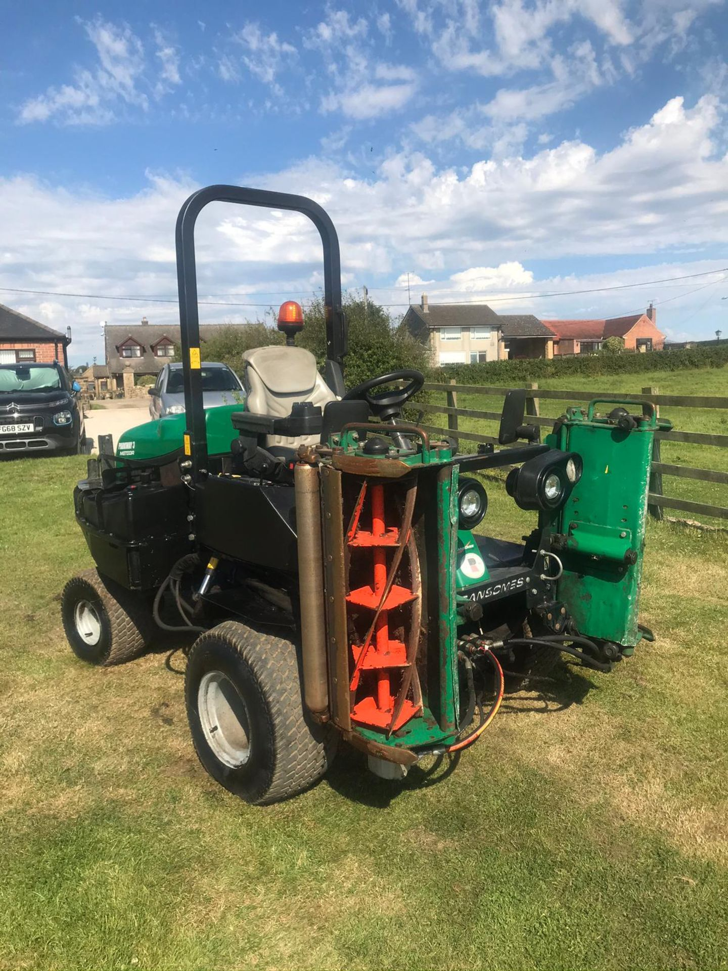 2013 RANSOMES PARKWAY 3, RUNS, DRIVES AND CUTS, ROAD LEGAL *PLUS VAT* - Image 2 of 4