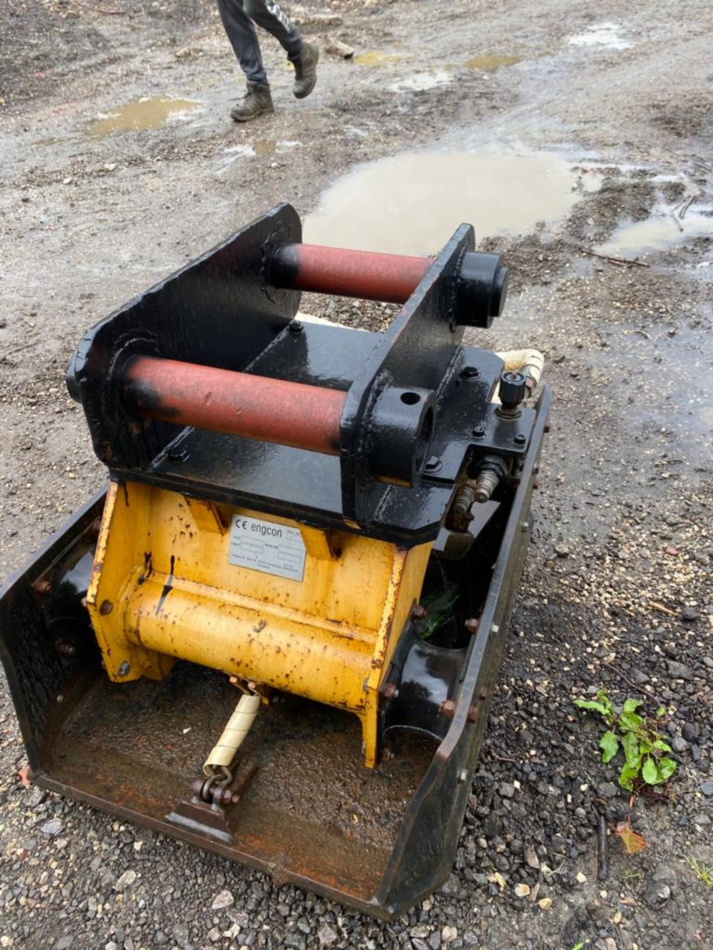 ENGCON M6178 COMPACT PLATE, WACKER PLATE, 80MM PINS, IN WORKING CONDITION *PLUS VAT* - Image 5 of 5