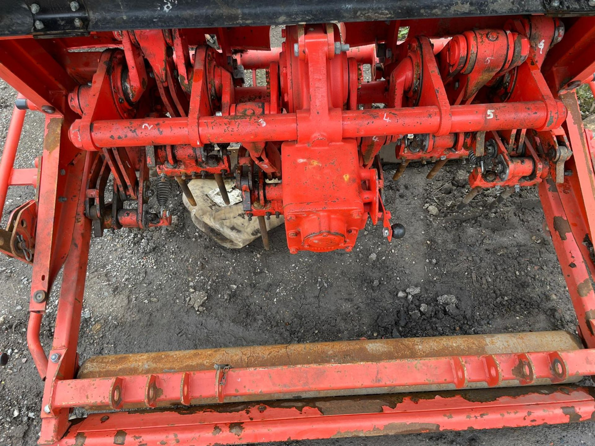 Weidenmann Terra Spike G6/135 Aerator, Suitable For 3 Point Linkage, PTO driven,all teeth are there - Image 2 of 4
